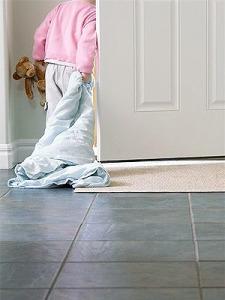 pg-toddler-habits-toddler-with-blanket-full