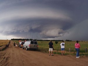 storm-chaser-dirt