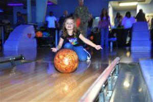 bowling121009-F-DY381-016