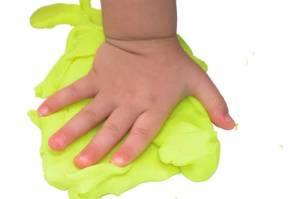 Homemade-Play-doh-500
