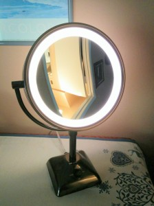 lighted mirrorIMG_20160522_075402