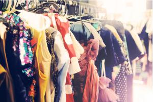 vintage-clothes-on-rack1