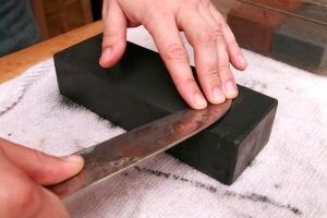 knife20100423-sharpening-10